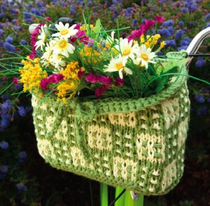 knit_bicycle_basket